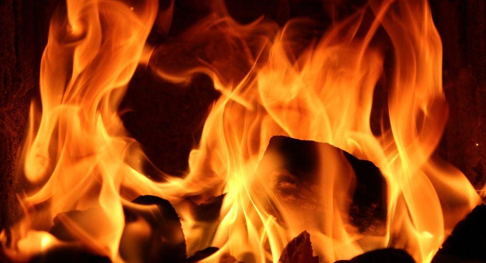 République tchèque: onze personnes dont trois enfants ont péri dans l'incendie d'un immeuble d'habitation