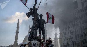 Les manifestants de retour dans les rues de Beyrouth, nouveaux heurts – vidéo