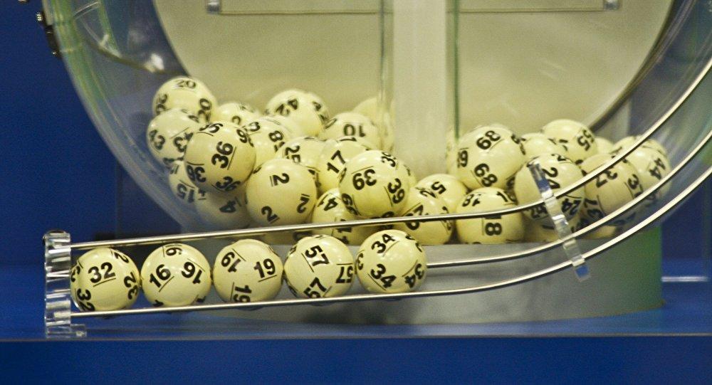 Il décroche le jackpot au loto et veut en dépenser une partie pour une pierre tombale