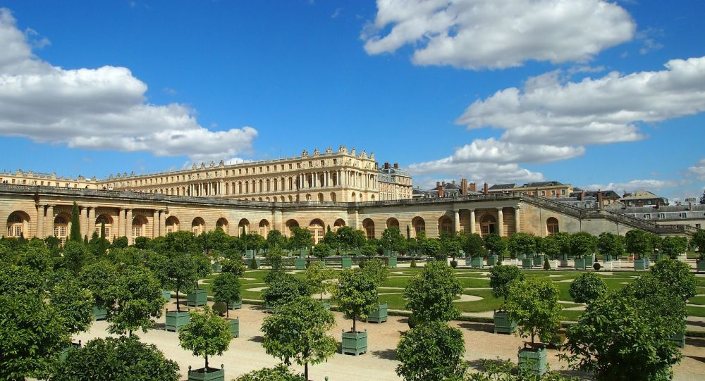 Le château de Versailles rouvre ses portes après une longue fermeture - vidéo