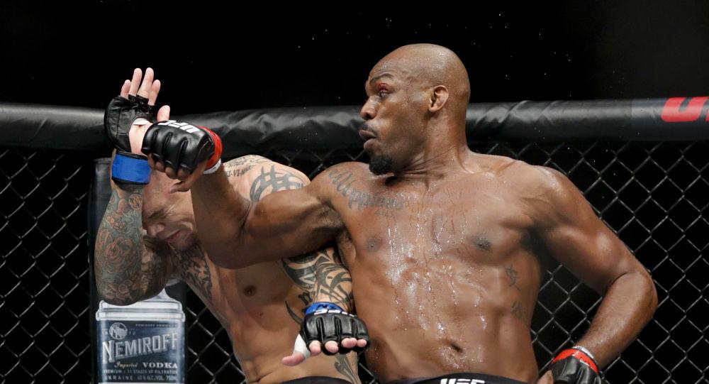 Jon Jones reproche à l'UFC de ne pas lui avoir versé «des dizaines de millions de dollars»