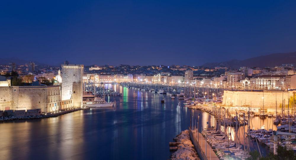 «Indestructible»: une ancienne base allemande de sous-marins à Marseille connaît une nouvelle vie – vidéo