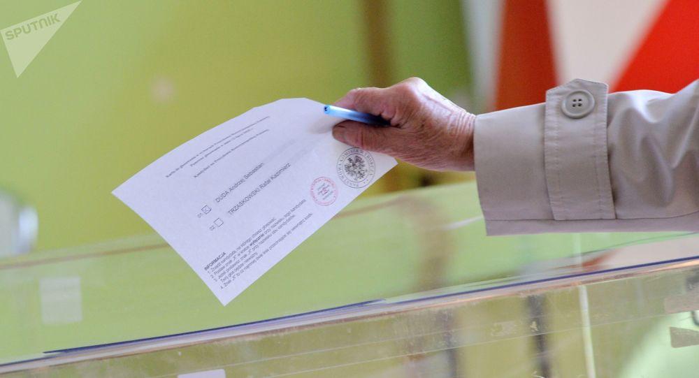 Le Président sortant donné gagnant à la présidentielle en Pologne, selon un sondage sortie des urnes