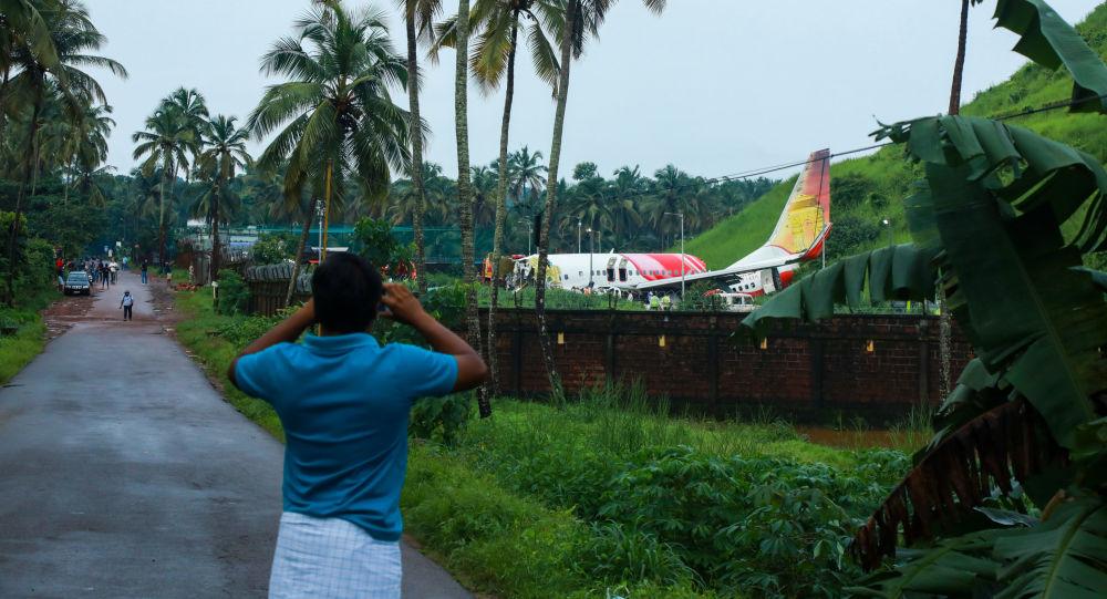 De nouveaux détails révélés sur l'atterrissage meurtrier d'un Boeing 737 en Inde