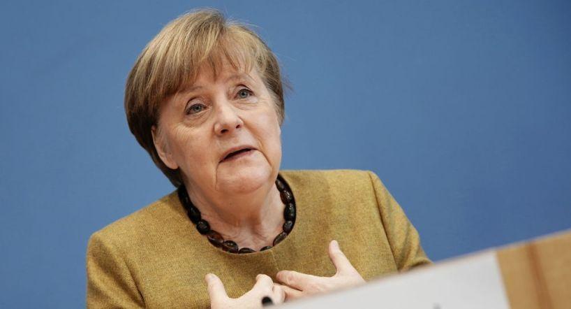 Merkel dit avoir proposé un soutien à Poutine pour que Spoutnik V soit approuvé dans l'UE