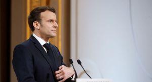 «Tant que vous avez des vaccins dans les frigos, je ne reconfinerai pas les gens», aurait lancé Macron