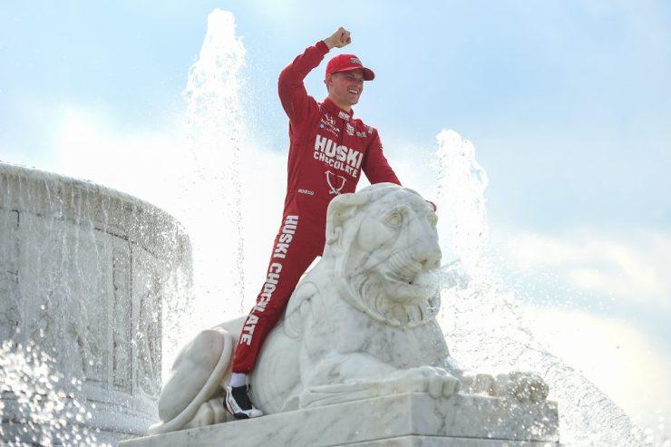 Do grid da F1 para o Victory Lane da Indy