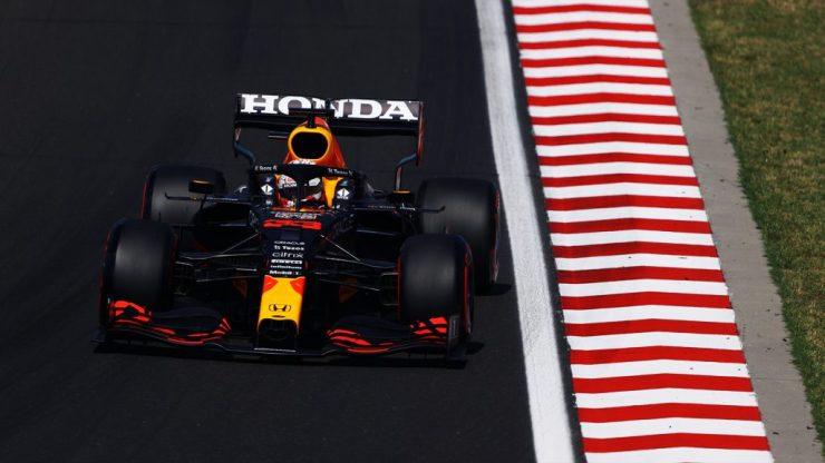 Verstappen acabou fazendo apenas o terceiro tempo na classificação em Hungaroring (Crédito: Twitter / Red Bull)