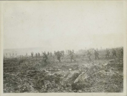 Canadian lnfantry advancing during the Battle of Vimy Ridge, April 1917.