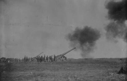 Naval guns in action at the Battle of Vimy Ridge.