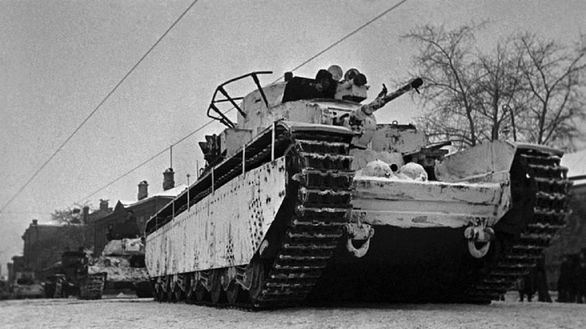 8 armas soviéticas pintadas con camuflaje de invierno durante la Segunda  Guerra Mundial (Fotos) - Russia Beyond ES
