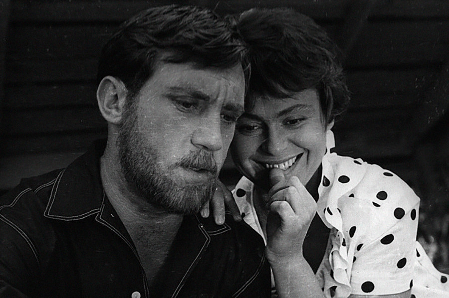 'Breves encuentros' protagonizada por Vladimir Vysotsky y Kira Muratova.