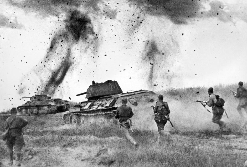 Ataque del 5.º Ejército de Tanques de la Guardia soviético durante la Batalla de Kursk.