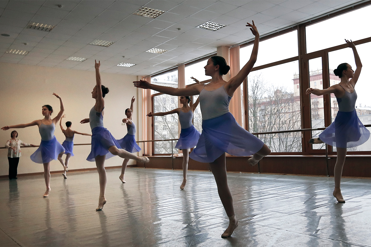 The Bolshoi Ballet Academy In Pursuit Of A Dream