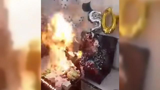 VIDEO: Iba a soplar las velas pero terminó envuelta en llamas