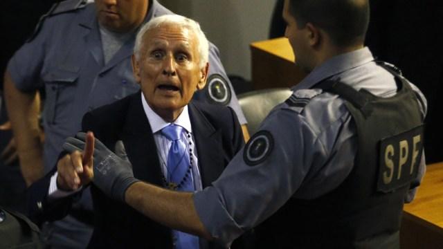 """Hija de un genocida argentino pide que su padre vuelva a la cárcel """"hasta el final de sus días"""""""