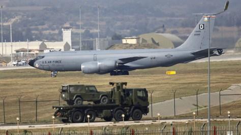 Turquía amenaza a EE.UU. con cerrar su base de Incirlik y con comprar cazas rusos en vez de los F-35