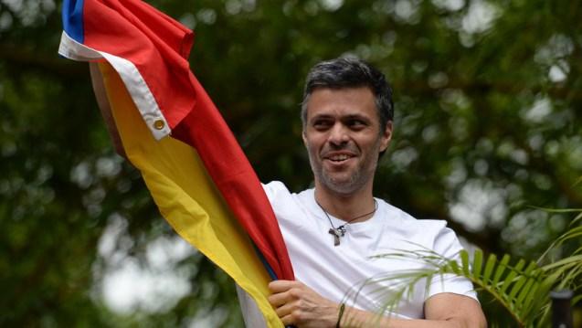 """Embajador venezolano en Chile considera """"patético"""" que Leopoldo López convoque una marcha y se refugie"""