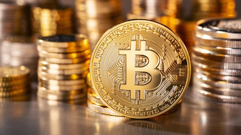 Uso del bitcoin, primera decisión cuestionada a Bukele por salvadoreños