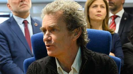 Fernando Simón, el rostro que informa cada día del coronavirus en España, da positivo