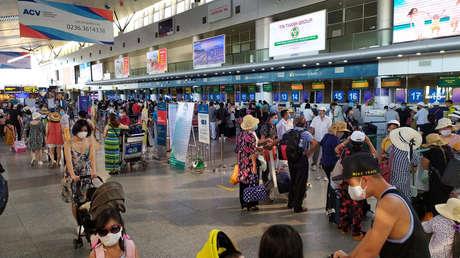 Vietnam suspende todos los vuelos hacia y desde Da Nang, ciudad que registra un brote de un nuevo tipo de coronavirus