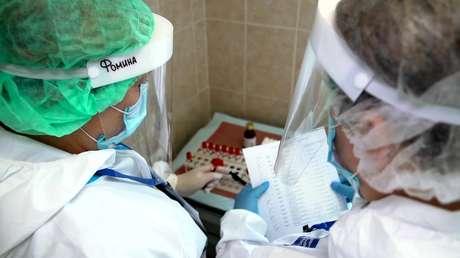 """""""La vacuna es segura y efectiva"""": Rusia planea comenzar la vacunación de la población contra el coronavirus después de noviembre o diciembre"""