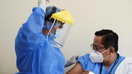Nuevo escándalo por 'vacunación VIP' contra el covid en Ecuador