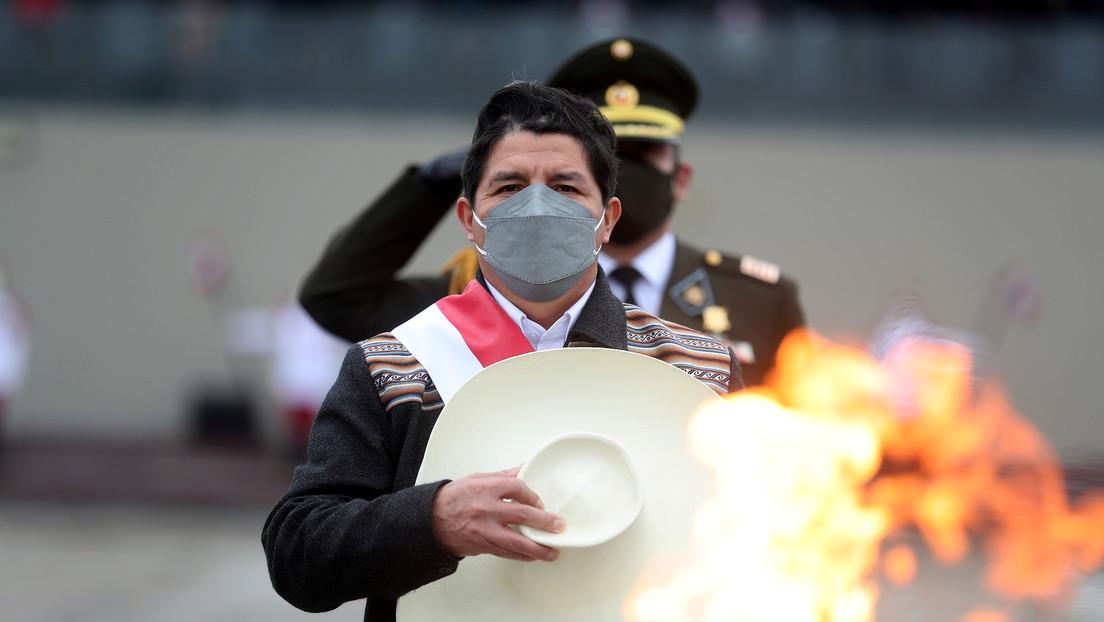 Perú en la encrucijada y sin luna de miel: ¿las señales de un 'golpe por goteo' contra Pedro Castillo?