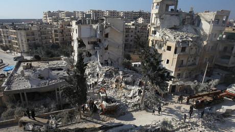 Ein Blick auf die Schäden in der Stadt Idlib.