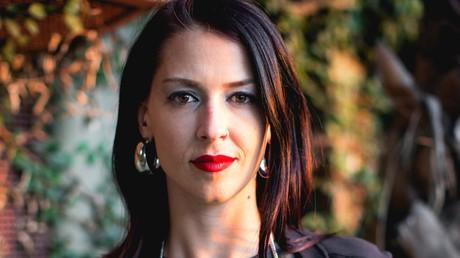 Nimmt beim Thema Israel kein Blatt vor den Mund: Abby Martin.