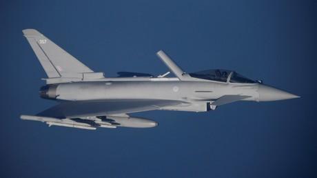Ein Eurofighter Typhoon der Royal Air Force während einer NATO-Übung der Baltischen Luftstreitkräfte im Januar 2020