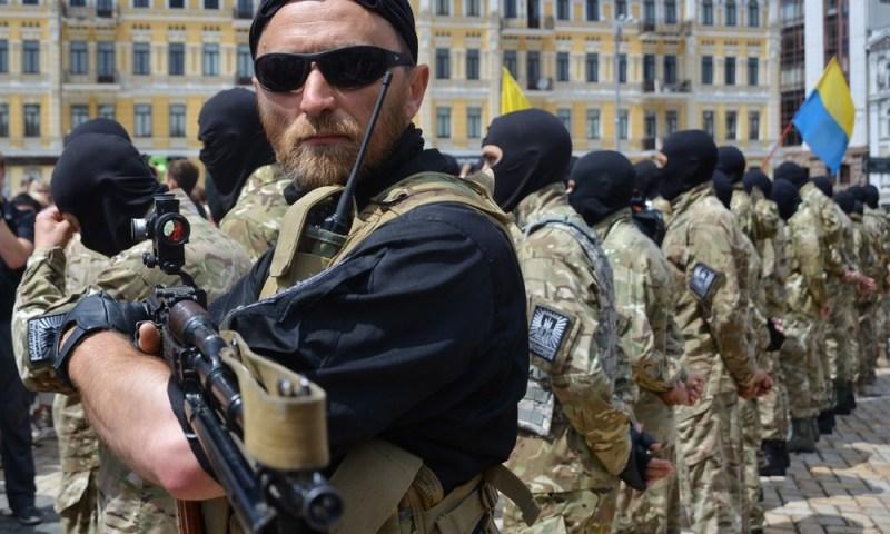 Time: Ukrainische Asow-Bewegung ist zur kampffأ¤higsten rechtsextremen Miliz weltweit aufgestiegen
