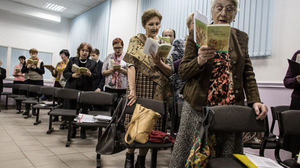 Jehovah's Witnesses banned as 'extremist' in Russia ...