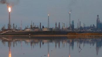 FILE PHOTO A general view of the Amuay refinery complex which belongs to the Venezuelan state oil company PDVSA in Punto Fijo, Venezuela © Carlos Garcia