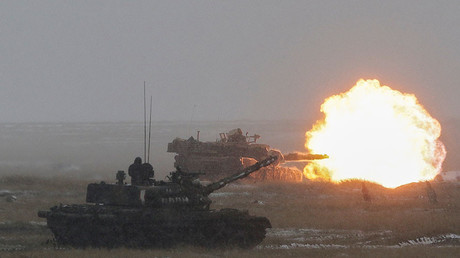 FILE PHOTO: An U.S. M1 Abrams tank fires its main gun while taking part in Justice Eagle 17 joint military exercise alongside Romanian counterparts, at Smardan shooting range, in Galati county, Romania, April 20, 2017. © Inquam Photos / Octav Ganea  US missile shield part of 'prompt global strike' doctrine fuelling new arms race – Russian MoD — RT News 59db8185fc7e9317228b456a