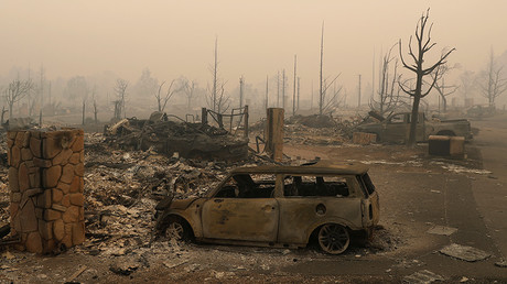 Fountaingrove Parkway in Santa Rosa, California, U.S., October 10, 2017 © Stephen Lam  Wineries coping with California wildfires as death toll reaches 31 — RT America 59dddf7dfc7e93330c8b4567