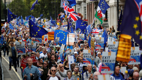 FILE PHOTO Demonstrators head towards Parliament Square during the anti-Brexit 'People's March for Europe', in central London, Britain September 9, 2017 © Tolga Akmen