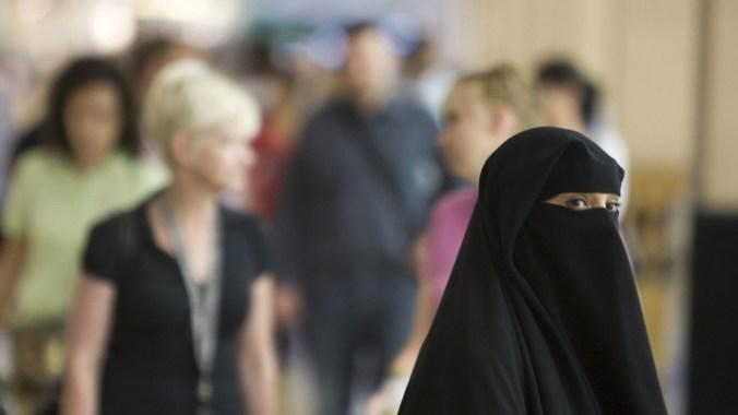 Promoting diversity? Teacher wears full face Muslim veil, reads from Koran in Swiss school