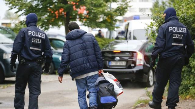 Berlino giura finalmente di reprimere le bande criminali arabe che hanno tormentato la città per DECADES