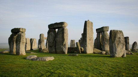 5c0951e7fc7e939c608b45c6 'A travesty': Archaeologists enraged after Stonehenge site 'damaged' during drilling work