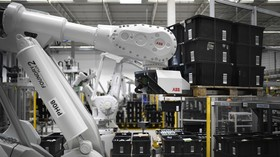 FILE PHOTO: A robot at an Amazon logistics center © Global Look Press / Ina Fassbender