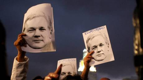 5ca3d50fdda4c872288b45ac Bashing of Assange is linked to reportage on Ecuador president's corruption scandal – WikiLeaks
