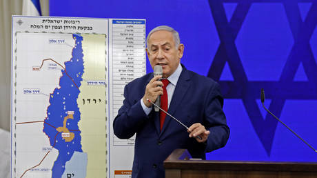 5de5256785f54076ef5fc8d8 'Once in a lifetime opportunity for Israel': Netanyahu to join Trump – but no Palestinians – to unveil 'deal of the century'