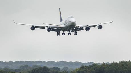 FILE PHOTO: A Boeing 747-400