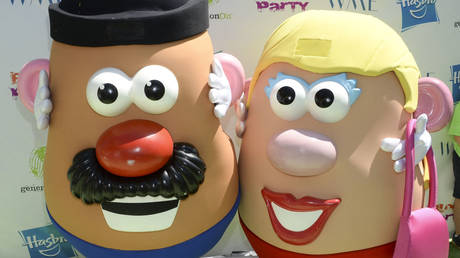 Mr. and Mrs. Potato Head attend the Points of Light generation On Block Party on April 18, 2015 in Los Angeles, California © Michael Kovac/Getty Images/AFP