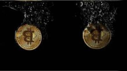 Bitcoin prowadzi masową wyprzedaż na rynku kryptowalut