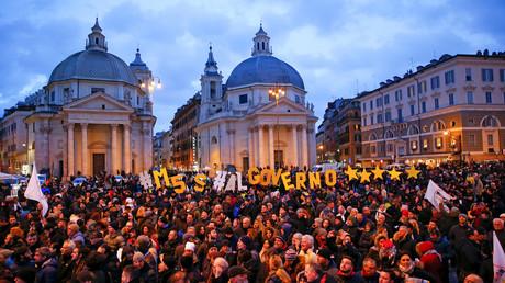 Illustration : rassemblement de partisans du Mouvement 5 étoiles (M5S) en Italie