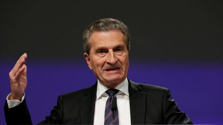 Image d'illustration : le commissaire européen Oettinger, le 2 mai 2018
