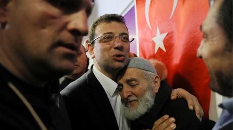 Municipales en Turquie : revers pour Erdogan à Istanbul et Ankara