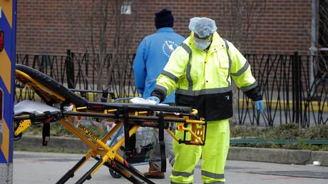 27 millions d'Américains sans assurance maladie menacés de ruine en cas d'infection au coronavirus